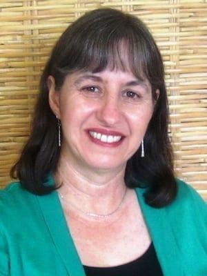 Nora Lozano headshot