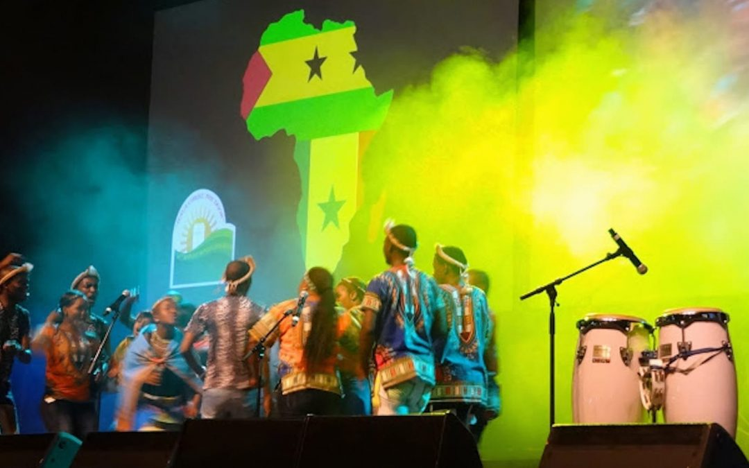 Worship during the 2015 Baptist World Alliance gathering in Durban