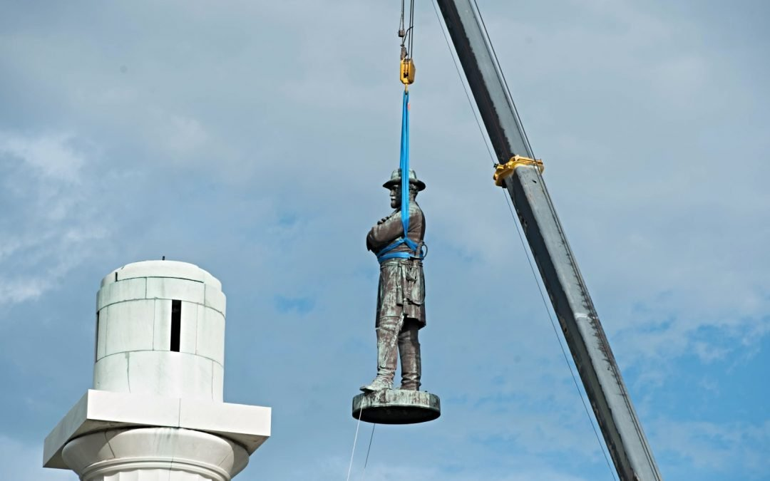 Removal of statue of Robert E. Lee in 2017