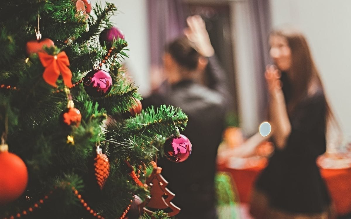 US Majority Plans Family Gatherings at Christmas